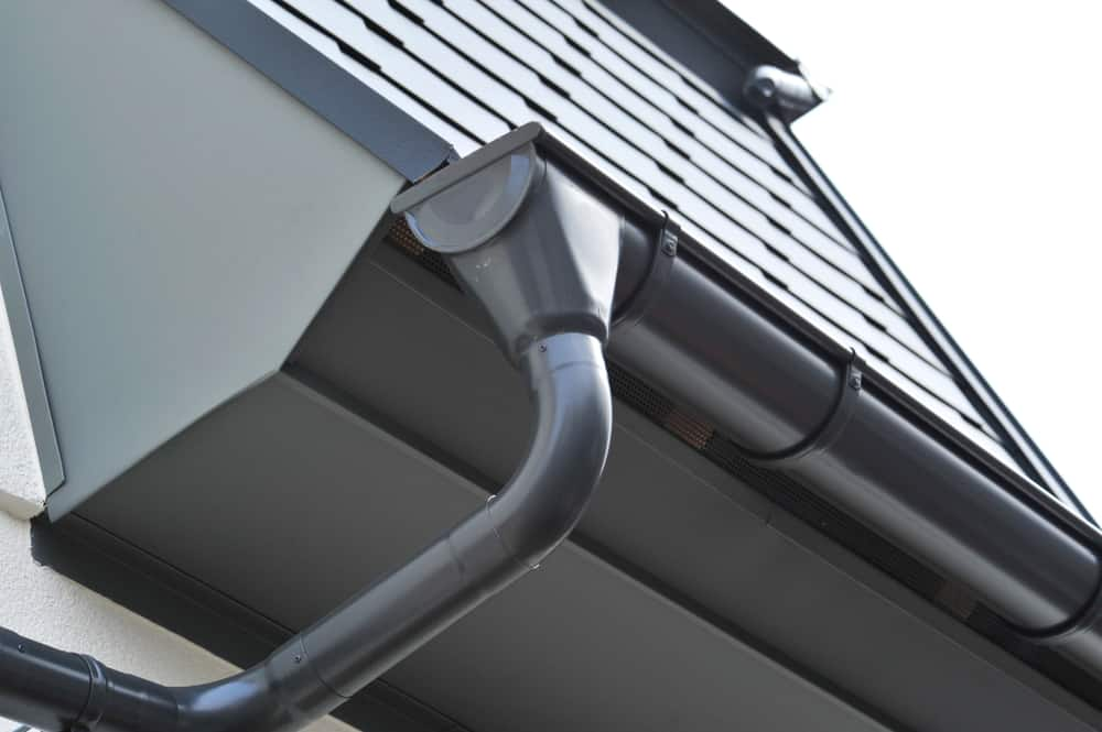 The Importance of Keeping Your Guttering Clean and How to Do So